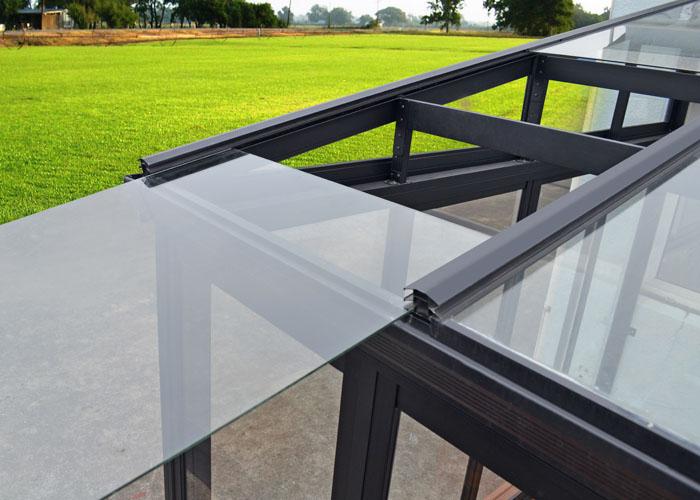 Sunroom-5-install-glass-Animation-02